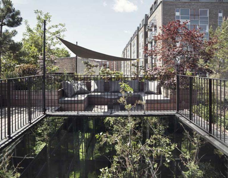 Arquitectura_Casa para Peter Krasilnikoff_imagen de la terraza y vegetacion planta 2