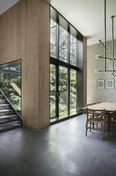 Arquitectura_Casa para Peter Krasilnikoff_ imagen de paneles de madera y cristalera