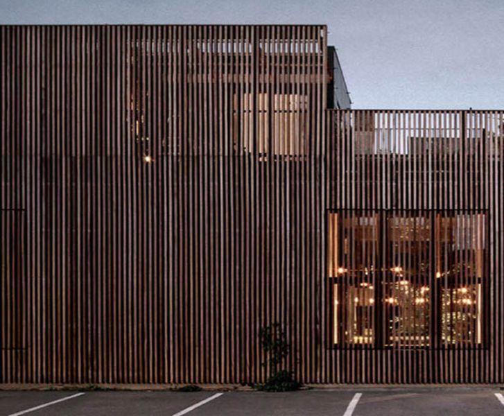 Arquitectura_Casa para Peter Krasilnikoff_ detalle de fachada exterior listones