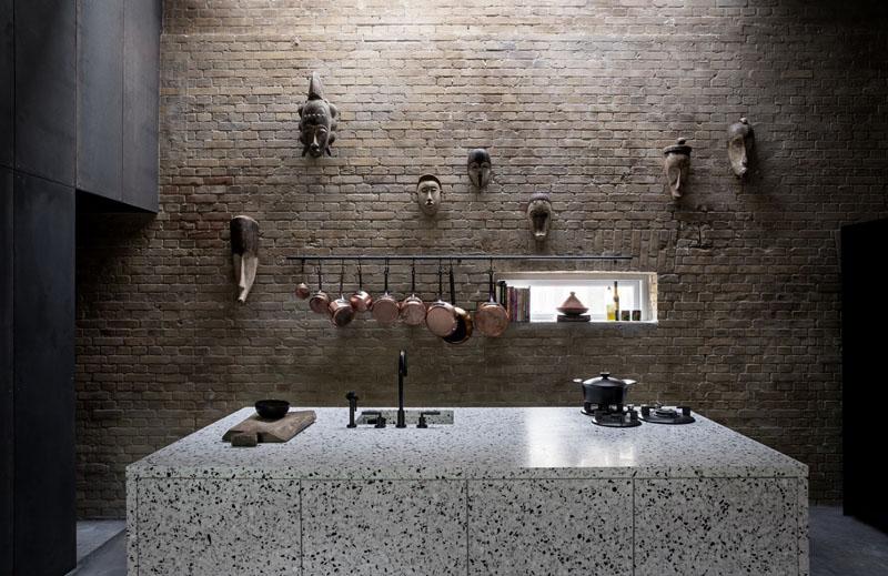 Arquitectura_Casa para Peter Krasilnikoff_ paramento de ladillo antiguo