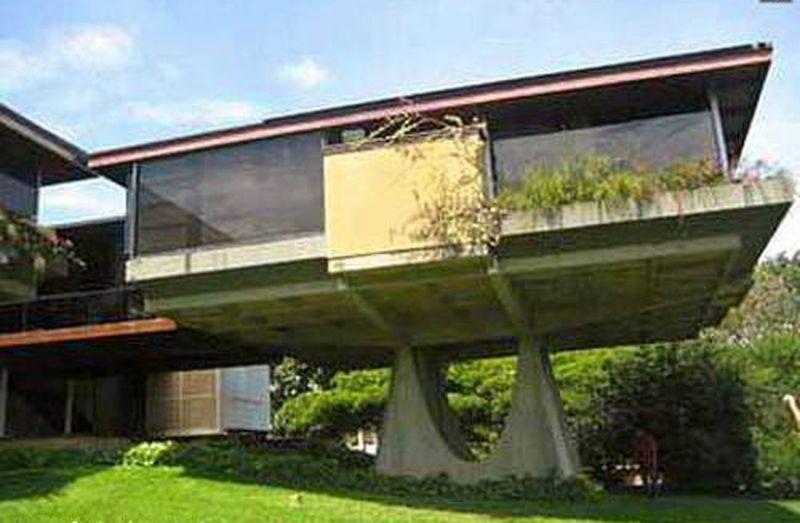 Arquitectura__casa Ricci_Fruto Vivas _ pendiente terreno