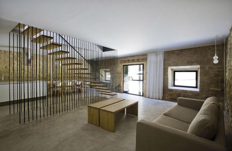 Casa rural el cobijo en la rioja arquitectura for Escaleras de salon