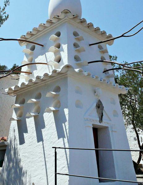 Arquitectura_Casa_Salvador_Dalí_de_Portlligat_(Cadaqués)detalle torre del palomar