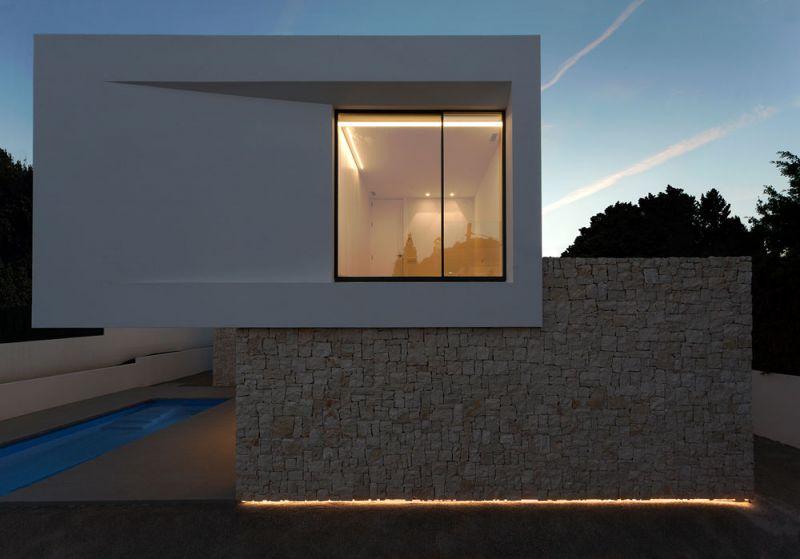 arquitectura casa wedge antonio altarriba CHE fotografía de Diego Opazo exterior nocturna alzado