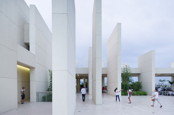 arquitectura CAZA_100 Walls Church