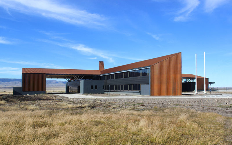 https://www.arquitecturayempresa.es/sites/default/files/content/arquitectura_centro_huemules_chile8.jpg