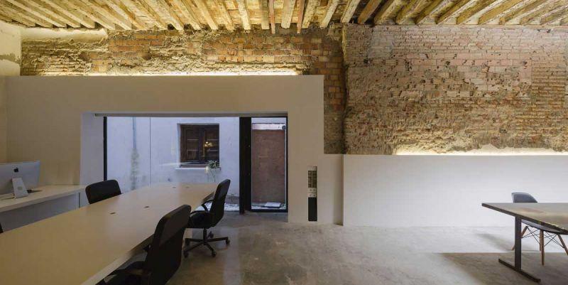 arquitectura ciclo de entrevistas de arquitectura y empresa CUAC arquitectura san jeronimo 17 foto estudio mesas