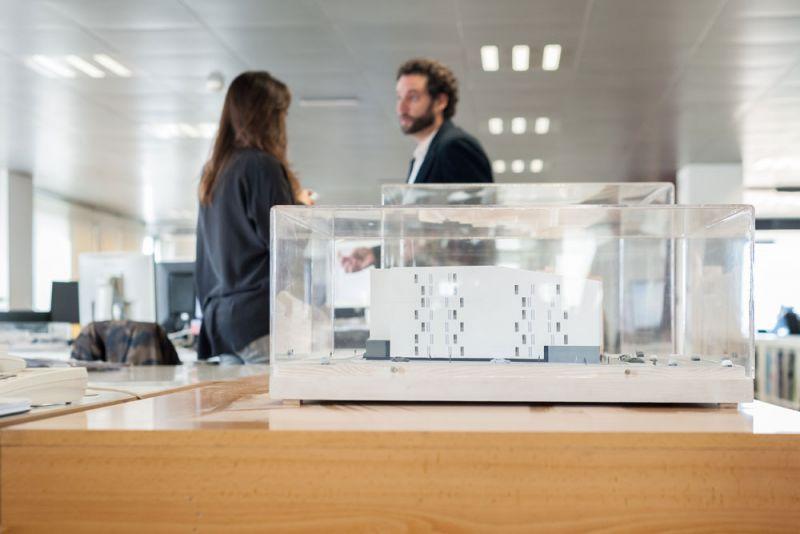 arquitectura y empresa ciclo de entrevistas exclusivas ingennus torre zaragoza maqueta