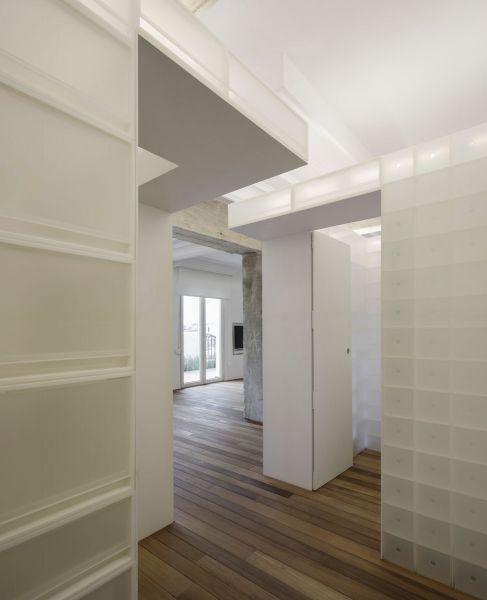 arquitectura serrano + baquero la casa desordenada pasillo