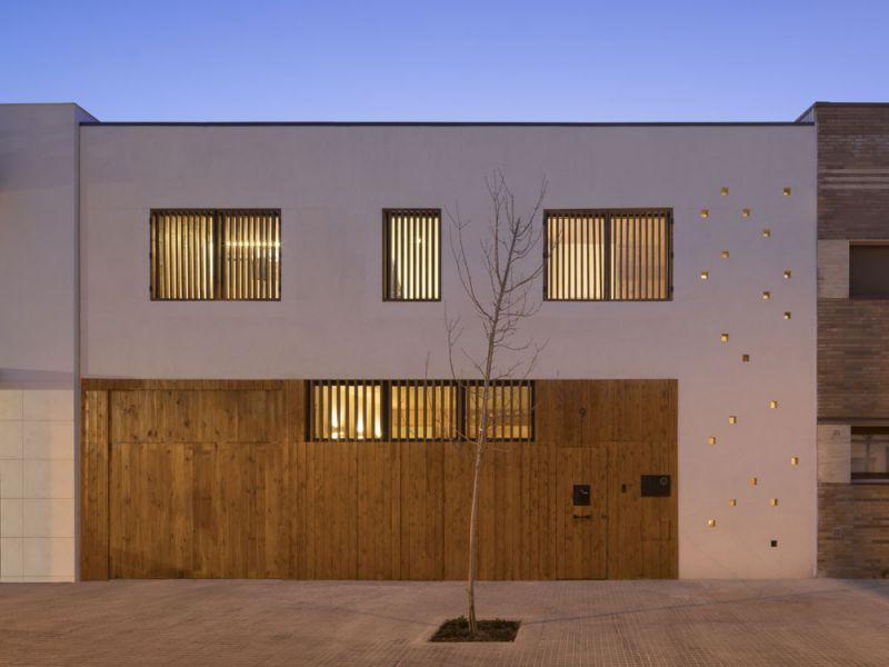 arquitectura entrevista exclusiva vilalta architects casa BD fachada noche