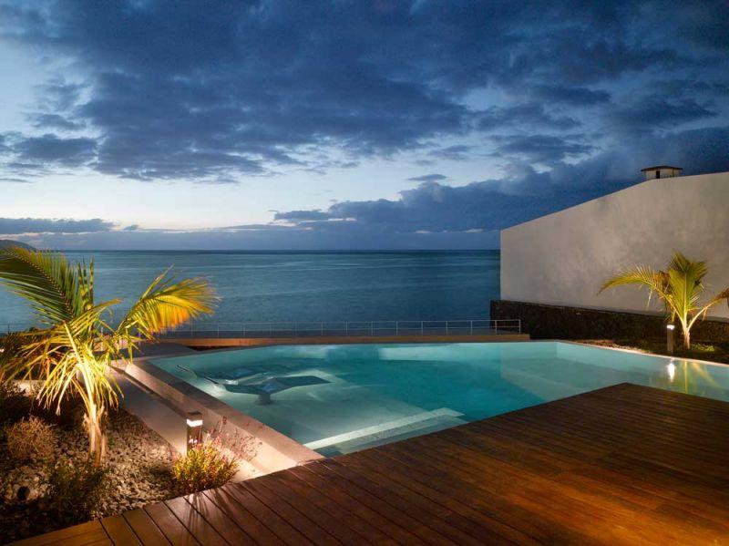 Corona amaral arquitectura ciclo de entrevistas arquitecturayempresa villa playa de la arena foto piscina
