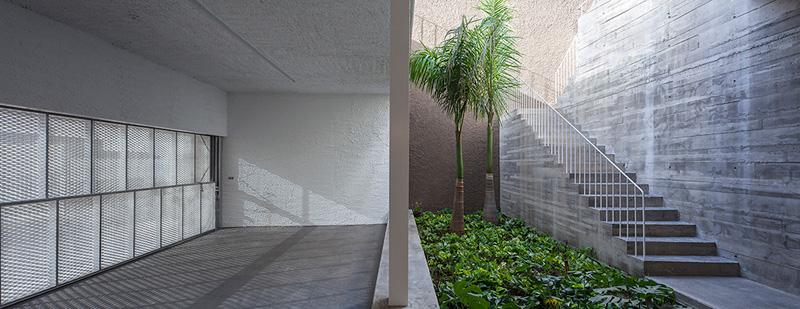 equipo olivares casachris ciclo entrevistas arquitecturayempresa garaje patio interior