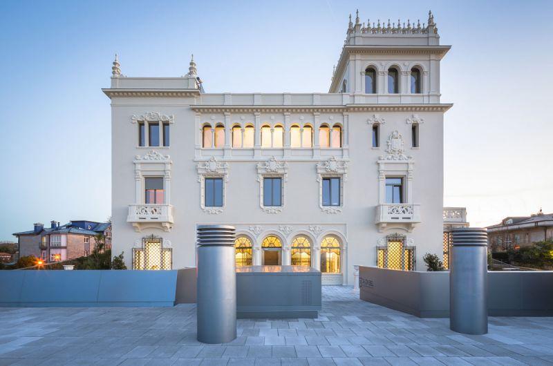Colegio Mayor Jaizkibel Otxotorena arquitectos fotografia exterior preexistencia