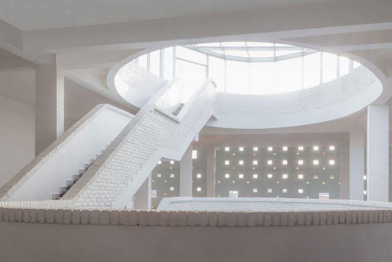 ciclo de entrevistas exclusicas de arquitecturayempresa xavier vilalta arquitectura lideta mercato fotografia interior escalera doble altura