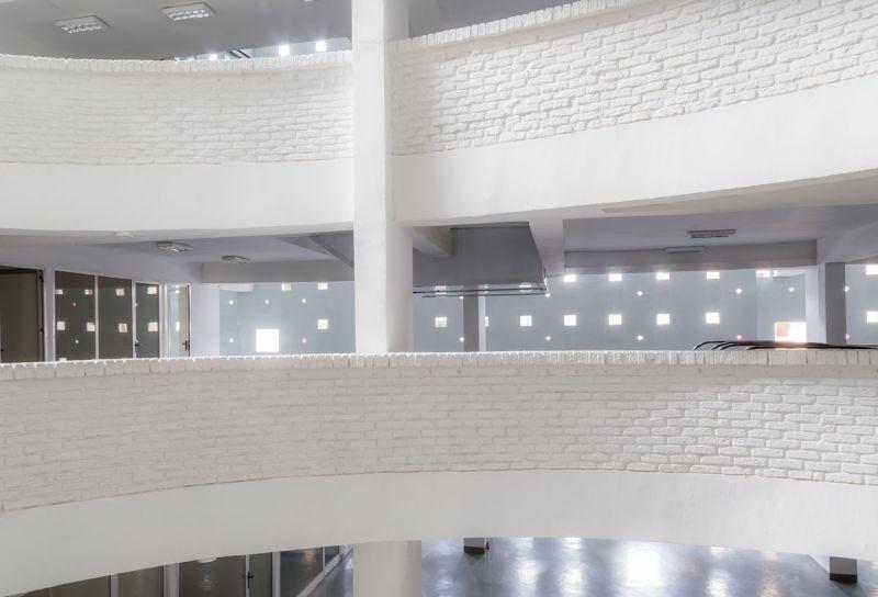 ciclo de entrevistas exclusicas de arquitecturayempresa xavier vilalta arquitectura lideta mercato fotografia interior hueco