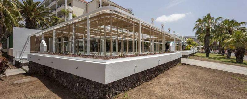 arquitectura equipo olivares corner bar vista exterior esquina