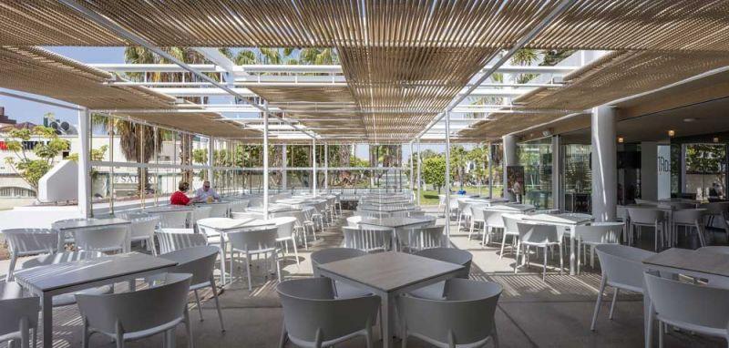 arquitectura equipo olivares corner bar vista exterior terraza cubierta