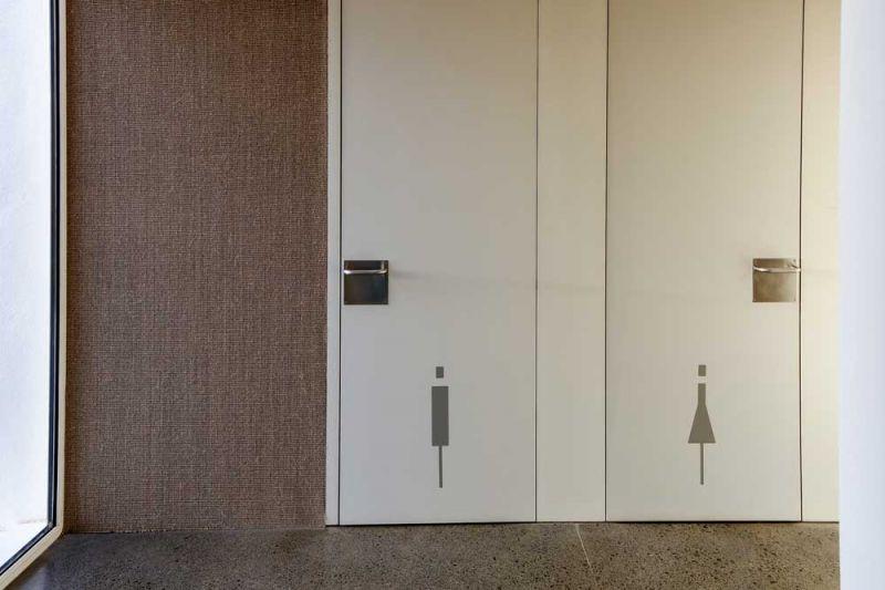 arquitectura equipo olivares corner bar vista interior baños