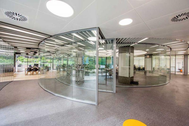 arquitectura Requena y Plaza Dispatching Centro de Control Red Infraestructuras gasistas fotografía sala central