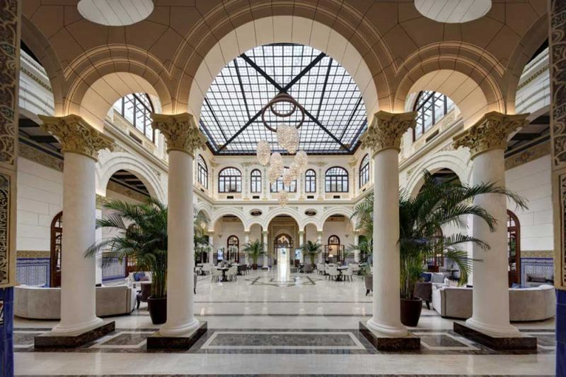 arquitectura estudio segui gran hotel miramar fotografia iterior claustro