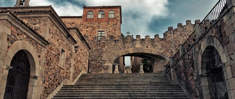 arquitectura, arquitecto, diseño, design, Cáceres, ciudad patrimonio, UNESCO, Turismo Ayuntamiento de Cáceres, historia, España, monumentos, muralla, reconquista, Isabel la Católica, romanos, Norba Caesarina