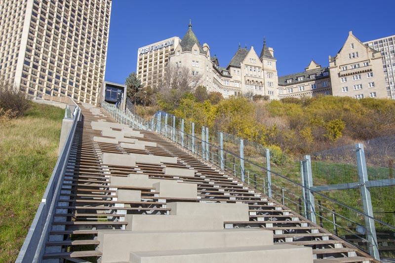 arquitectura_Clear-Edmonton_1 Funicular_vista de escalera