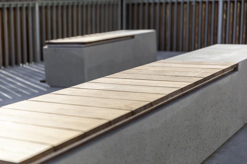 arquitectura_Clear-Edmonton_1 Funicular_ imagen banco hormigón madera