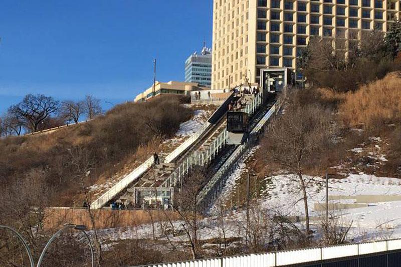 arquitectura_Clear-Edmonton_1 Funicular_ imagen en invierno