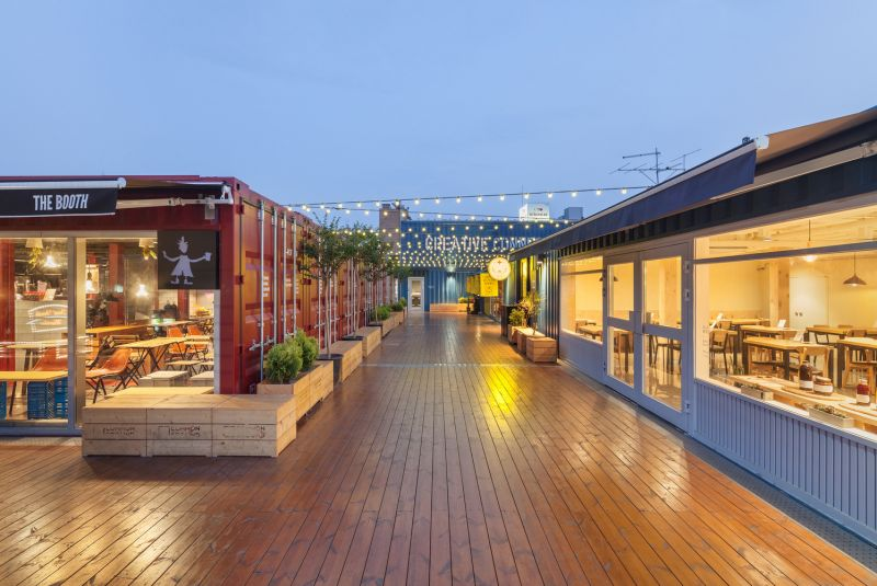 arquitectura_Common_ground_Urbantainer_terraza market hall