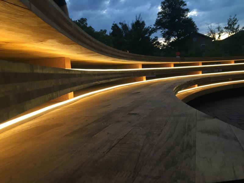 arquitectura_Conversation_Plinth_iluminación