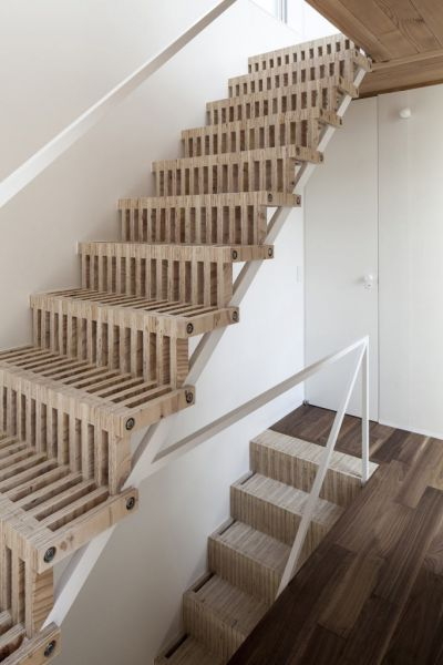 arquitectura_diseño_escaleras de madera_Casa en Japón