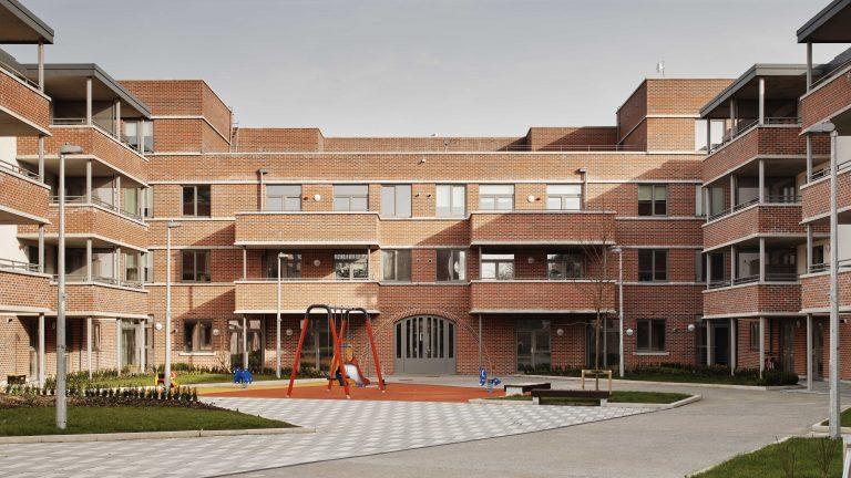 arquitectura_dolphin regeneration house_parque infantil