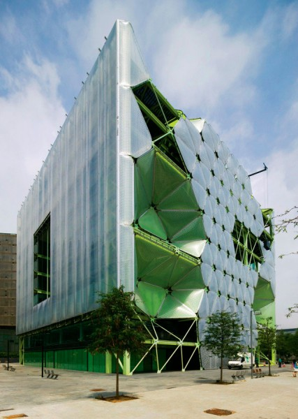 Edificio Media Tic en Barcelona, despacho Cloud-9