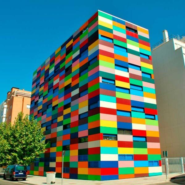 Edificio pixelado en Madrid, arquitecto Rafael Cañizares Torquemada