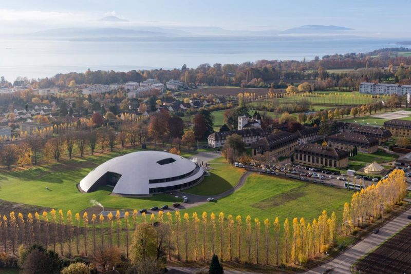 arquitectura Le Rosey Carnal Hall  Rolle, Suiza Bernard Tschumi Architects aerea