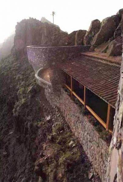 Arquitectura_El mirador-de-palmarejo_cesar -manrique_vista de la cubierta tradicional