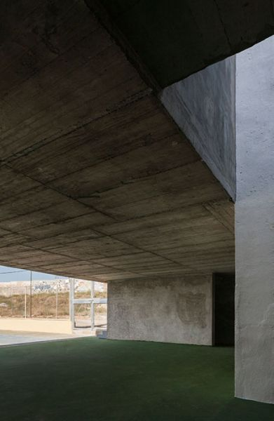 arquitectura_Elisa Valero_escuela Cerillo_PATIO CUBIERTO