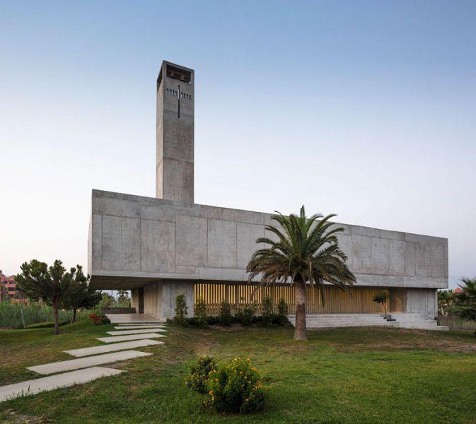arquitectura_Elisa Valero_iglesia Playa Granada_volumen