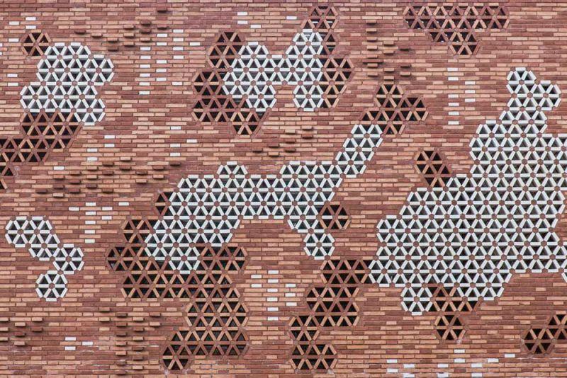 arquitectura pabellon kalida embt arquitectos fachada ladrillo