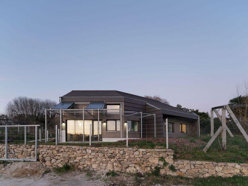 arquitectura entrevista arrokabe arquitectos casa cachons passivhaus vista exterior