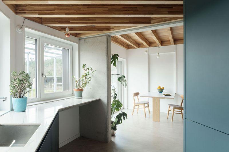 arquitectura entrevista arrokabe arquitectos casa cachons passivhaus cocina comedor
