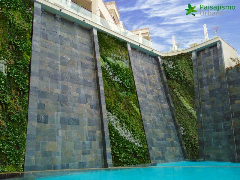arquitectura jardin vertical paisajismo urbano  Ikos Oceanía Club grecia