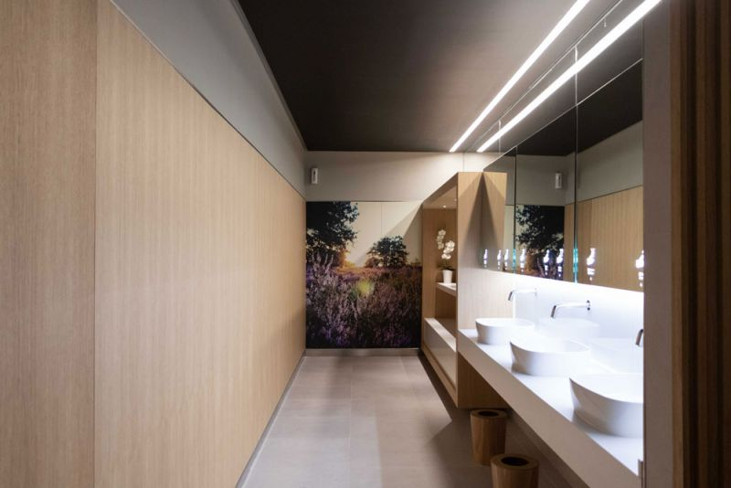 arquitectura sala vip dali t4 barajas estudio lamela baños
