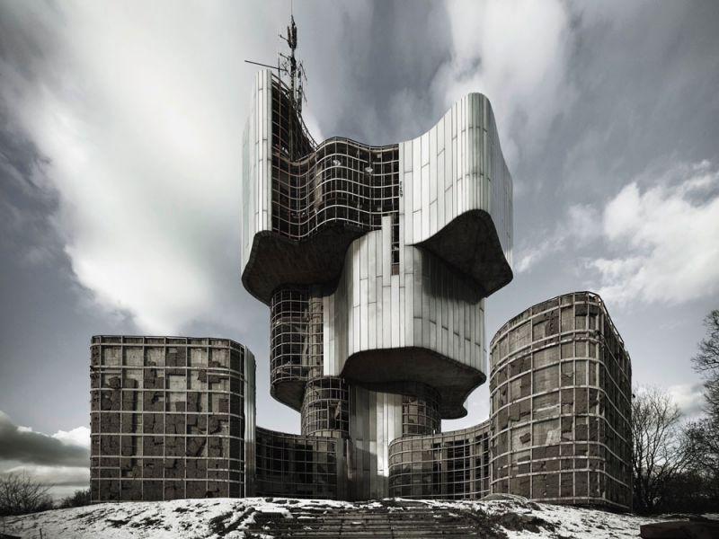 arquitectura valentin jeck exposicion moma toward a concrete utopia 01
