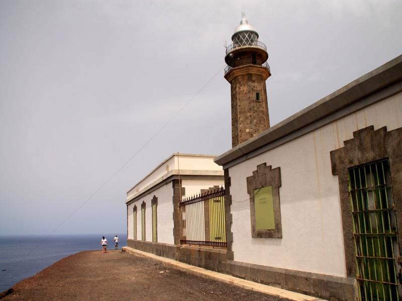 Arquitectura Faro Orchilla vista  lateral