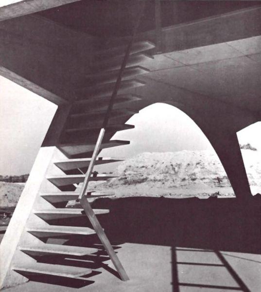 Arquitectura acceso al pabellón