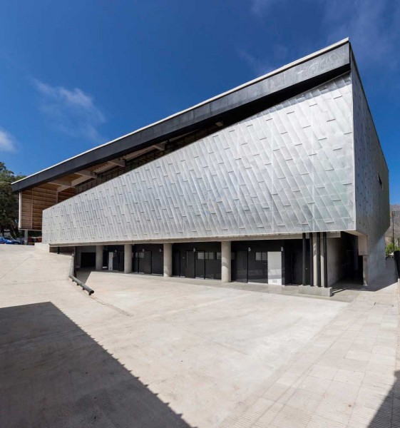 gimnsaio municipal de salamanca carreño sartori arquitectos foto exterior