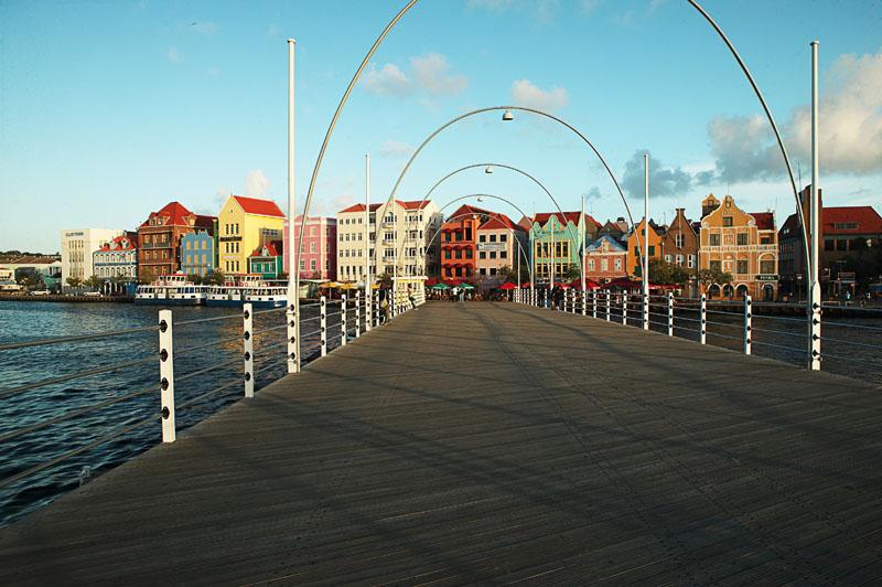 arquitectura holandesa _curazao_Puente reina Emma