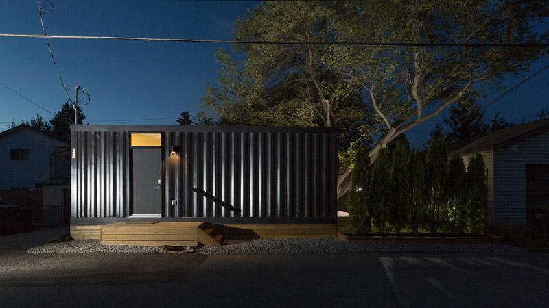 Arquitectura_Honomobo Container Homes_imagen nocturna de un modelo