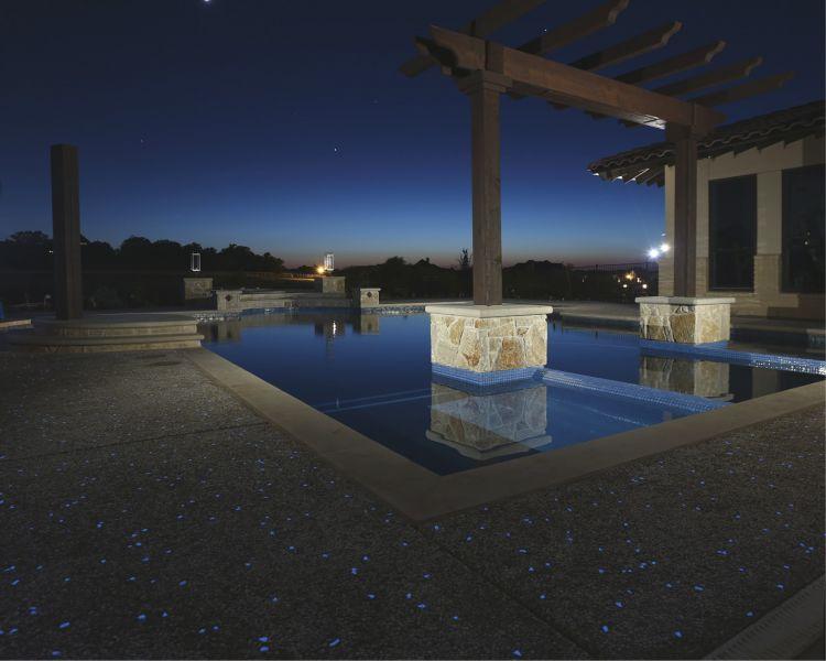 arquitectura_hormigón luminiscente_piscina